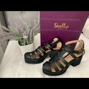 Shellys London flatform
